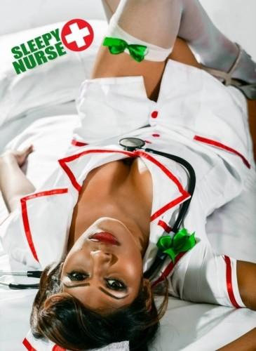 26651251736_sleepy-nurse-6