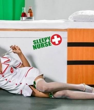33495464642_sleepy-nurse-14