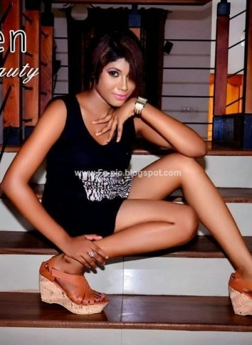 Sri-lankan-mode-Nilu-Tanasha-waring-black-derss-5